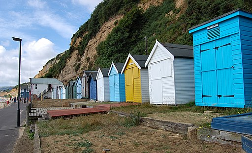 Flickr - ronsaunders47 - ISLE OF WIGHT BEACH HUTS .4
