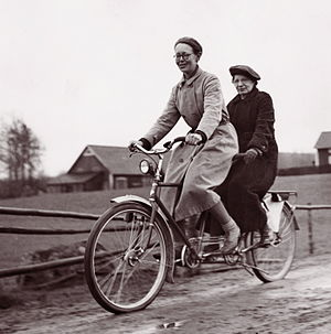 Tandem - Tandem bicycle