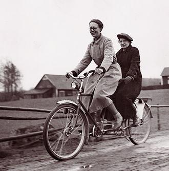 Tandem - Tandem bicycle