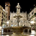 Fontana Madonna Verona-Piazza Erbe-XE3F2145a.jpg