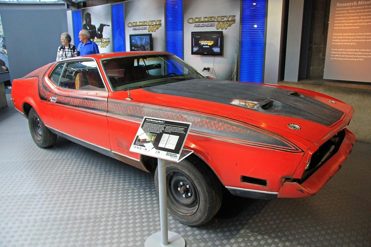 Mustang Mach 2 >> File:Ford Mustang (Diamonds Are Forever) front-right National Motor Museum, Beaulieu.jpg ...