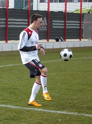 Franck Ribéry - Franck Ribéry playing keepie uppie at a training session with Bayern Munich.