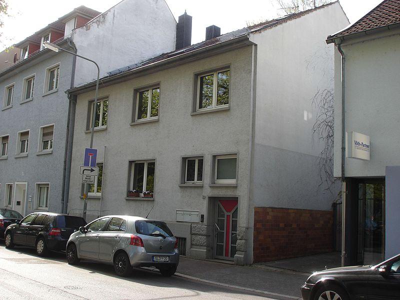 File:Frankfurt-Bockenheim Kurfürstenplatz 32.jpg