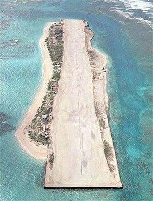 Tern Island (Hawaii) - Tern Island, the French Frigate Shoals airfield