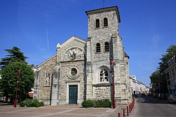 Fresnes Church Saint Eloi 03.jpg