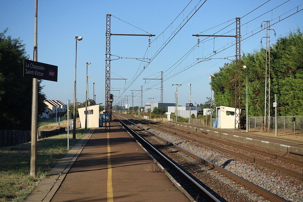 Gare de la chauss e saint victor wikip dia for Garage de la gare bretigny