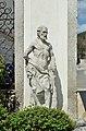 Gartenportal Kindberg, left statue.jpg