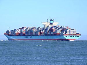 Georg Maersk p09, leaving Port of Rotterdam, Holland 04-Aug-2007.jpg