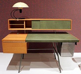 George Nelson (designer) - Image: George nelson & ass. per miller furniture co., scrivania modello 4658, zeeland MI 1946, con lampada anywhere di greta von nessen per nessen studio inc., NY 1951