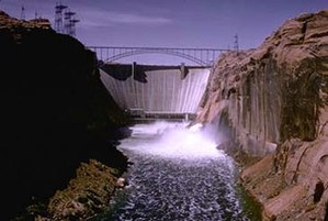 Risks to the Glen Canyon Dam - The releases from Glen Canyon Dam in May 1983