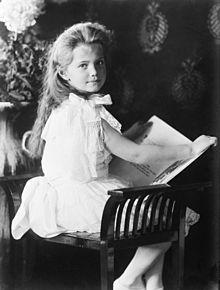 220px-Grand_Duchess_Marie_with_book_1906.jpg