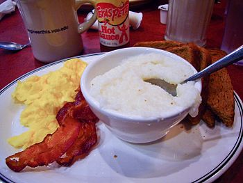English: A typical southern breakfast served a...