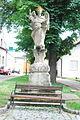 GuentherZ 2013-06-22 0291 Retz Vincenziplatz Statue heiliger Vincenz.JPG