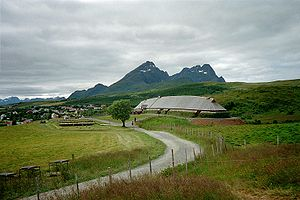 Hålogaland - Chieftain House at Borg in Lofoten  Lofotr Viking Museum