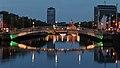 Ha'penny Bridge & River Liffey, Dublin (507194) (32094198423).jpg