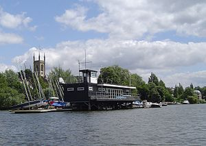 Benn's Island - Hampton Sailing Club with boat landing stages occupies all of Benn's Island above Molesey Lock