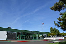 Henry D. Sheldon High School (Eugene, Oregon) 2.jpg