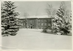 Una B. Herrick - Herrick Hall in the snow, 1933