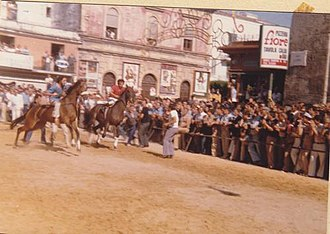 Our Lady of Miracles - Image: Horse racing in Alcamo (1979)