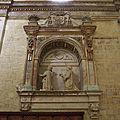Iglesia de Santa María (Carrión de los Condes). Sepulcro.jpg