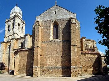 Iglesia de Santa María de la Asunción Melgar - Torre y lateral.jpg