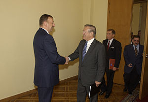 Ilham Aliyev - U.S. Secretary of Defense Donald Rumsfeld is greeted by Ilham Aliyev, August 2004