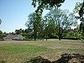 Jardin public au coeur du lotissement, 05-2011 - panoramio.jpg