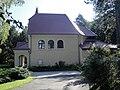 Jena Ostfriedhof Feierhalle (1).jpg