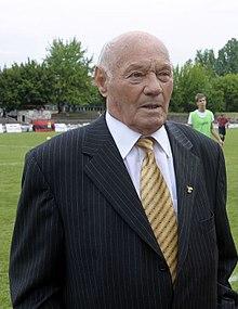 Jeno Buzanszky v jeho 85. narozeninách v květnu 2010..jpg