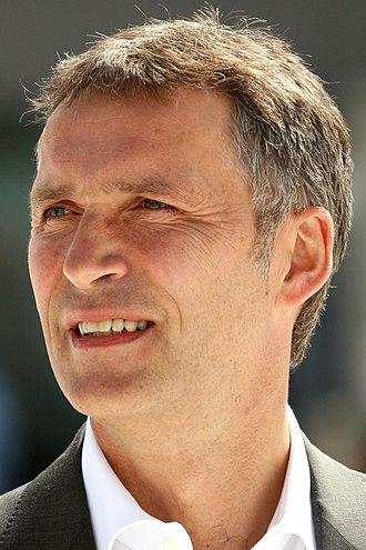 2013 Norwegian parliamentary election - Image: Jens Stoltenberg 2009 06 03 (bilde 02)