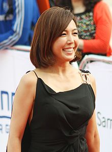 Jeon Soo-Kyung on the red carpet of The Musical Awards, 3 June 2013.jpg