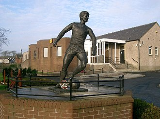 Jim Baxter - Statue in Baxter's honour in his home town, Hill of Beath in Fife – with the ball on his famous left foot