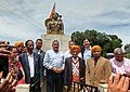 Jitendra Singh paid tributes at the statue of the legendary freedom fighter Tirot Sing, at Nangkhlaw, West Khasi Hills, Meghalaya.jpg