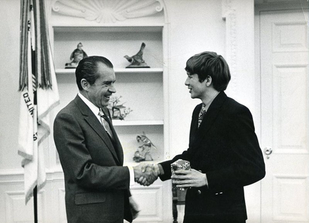 Kasich (right), aged 18, meeting President Nixon in 1970 at the White House, when he was an Ohio State University freshman John Kasich meets Nixon.png