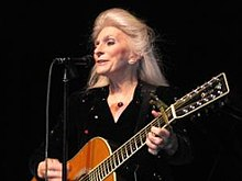 Judy Collins actuant al The Bromeley Family Theater en Bradford, PA el 5 de febrer de 2009