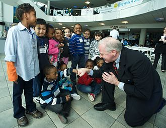 """Kemp Hannon - Senator Hannon visits students during the American Dental Association's """"Give Kids A Smile"""" Day"""