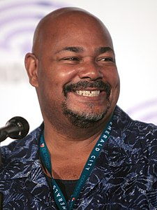 Kevin Michael Richardson (25875895270) (cropped).jpg
