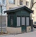 Kiosque avenue de Saxe, Paris 7e.jpg