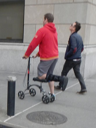 Knee scooter - Knee scooter in use
