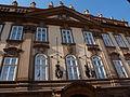 Kolovratský palác (Praha, Valdštejnská) průčelí.JPG