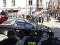Kondukt z trumna Lecha Kaczynskiego Krakow.jpg