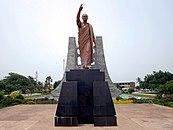 Kwame Nkrumah Statue (21726408528).jpg