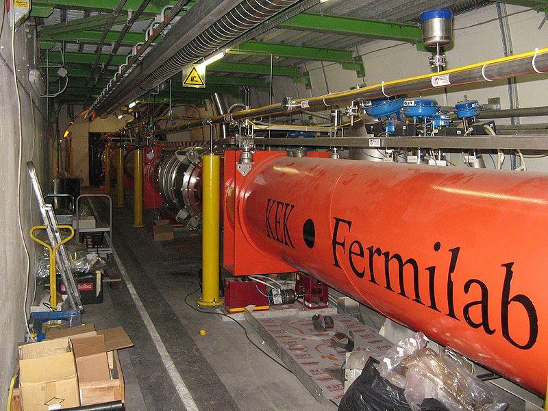 800px-LHC_quadrupole_magnets.jpg