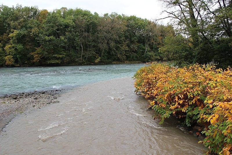 File:La Menoge flowing into the Arve - panoramio.jpg