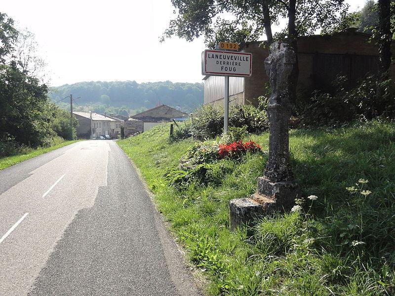 Laneuveville-derrière-Foug (Meurthe-et-M.) city limit sign