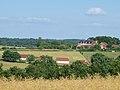 Lalande-FR-89-le village vers le château.jpg
