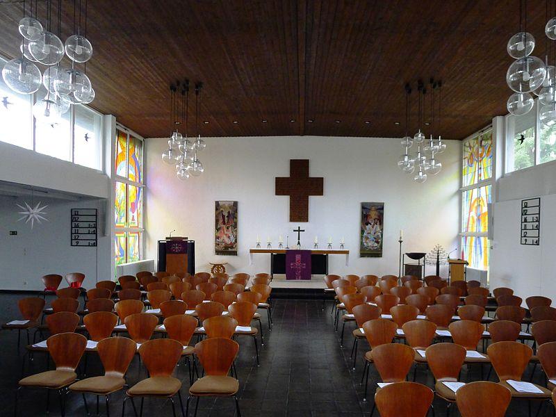 Kirchsaal der Laurentiuskirche. Foto: Bodo Kubrak (Eigenes Werk) [CC0], via Wikimedia Commons