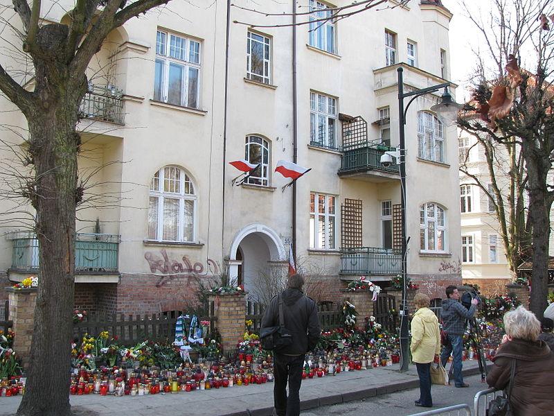 Lech Kaczynski ex-house Sopot after death April 11th 2010
