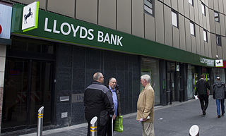 http://upload.wikimedia.org/wikipedia/commons/thumb/0/06/Lloyds_Bank_Newcastle_Haymarket.jpg/320px-Lloyds_Bank_Newcastle_Haymarket.jpg
