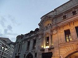 London Victoria Station (8103911370).jpg